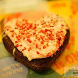 クリスピークリームドーナツのストロベリーチョコハート