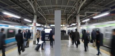 駅の中を走る人が怖い